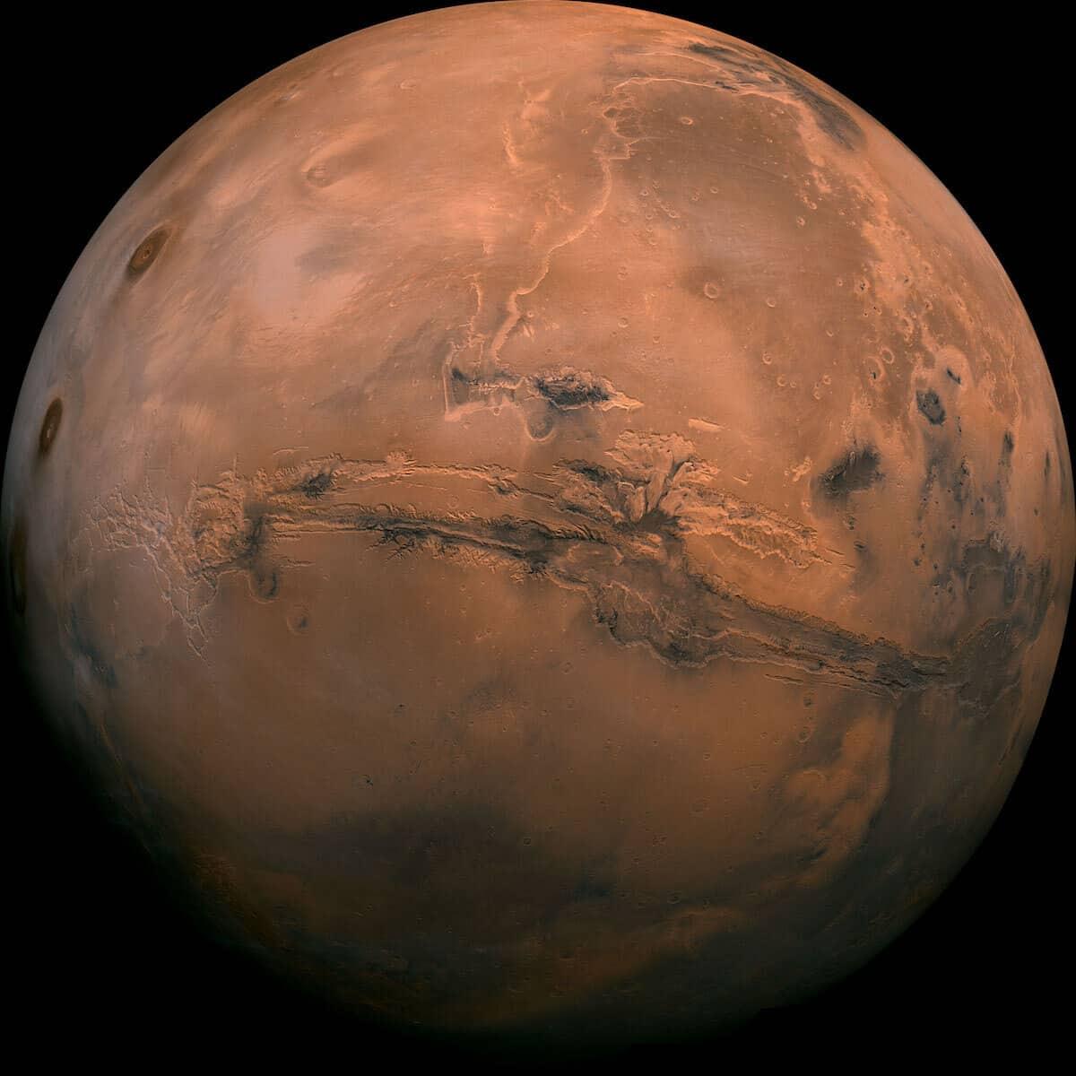 Mars Valles-Marineris Canyon