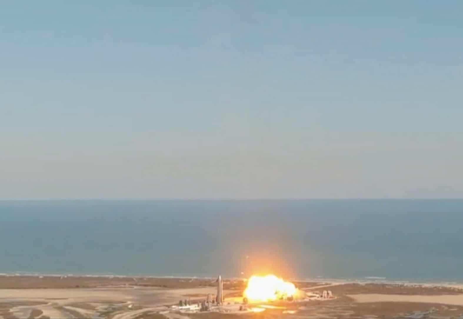 Screenshot starship explosion